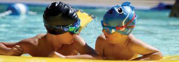 Kinder Flossen und Schnorchel
