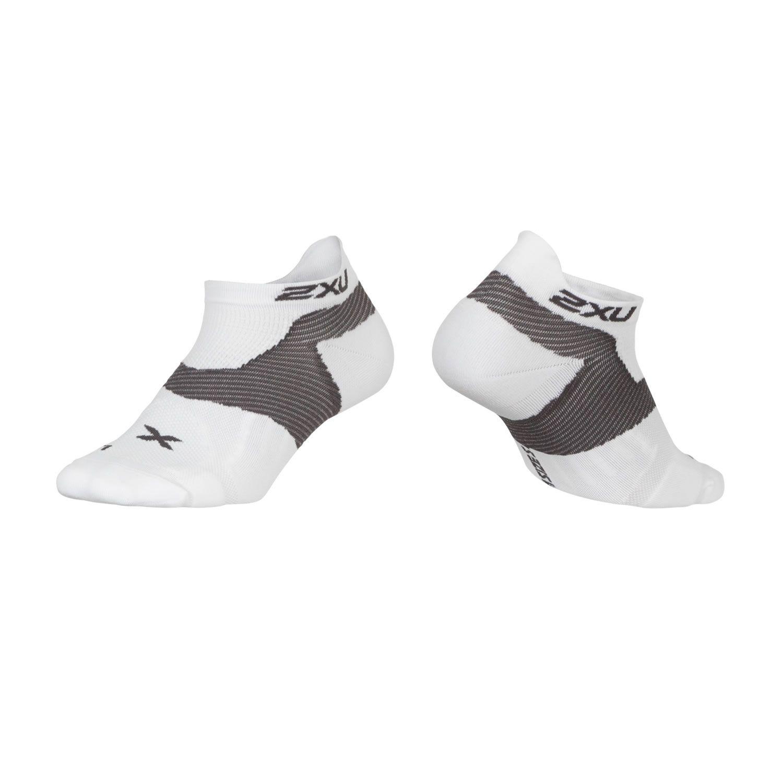 Race Vectr Sport Socken Herren - 2XU - weiss/kohlegrau